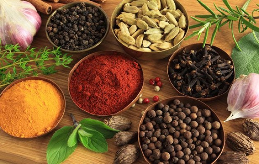8 Herbs and Spices that Support Weight Loss